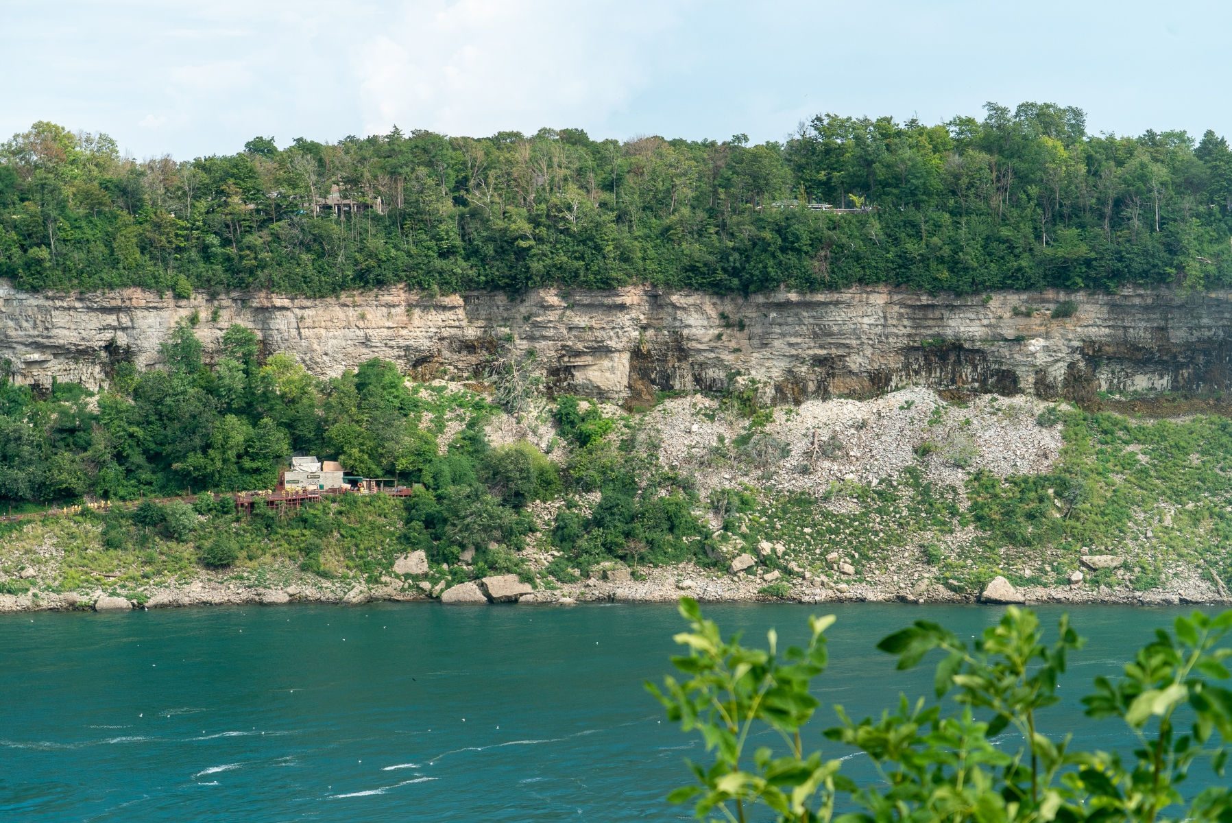 Niagara gorge wall