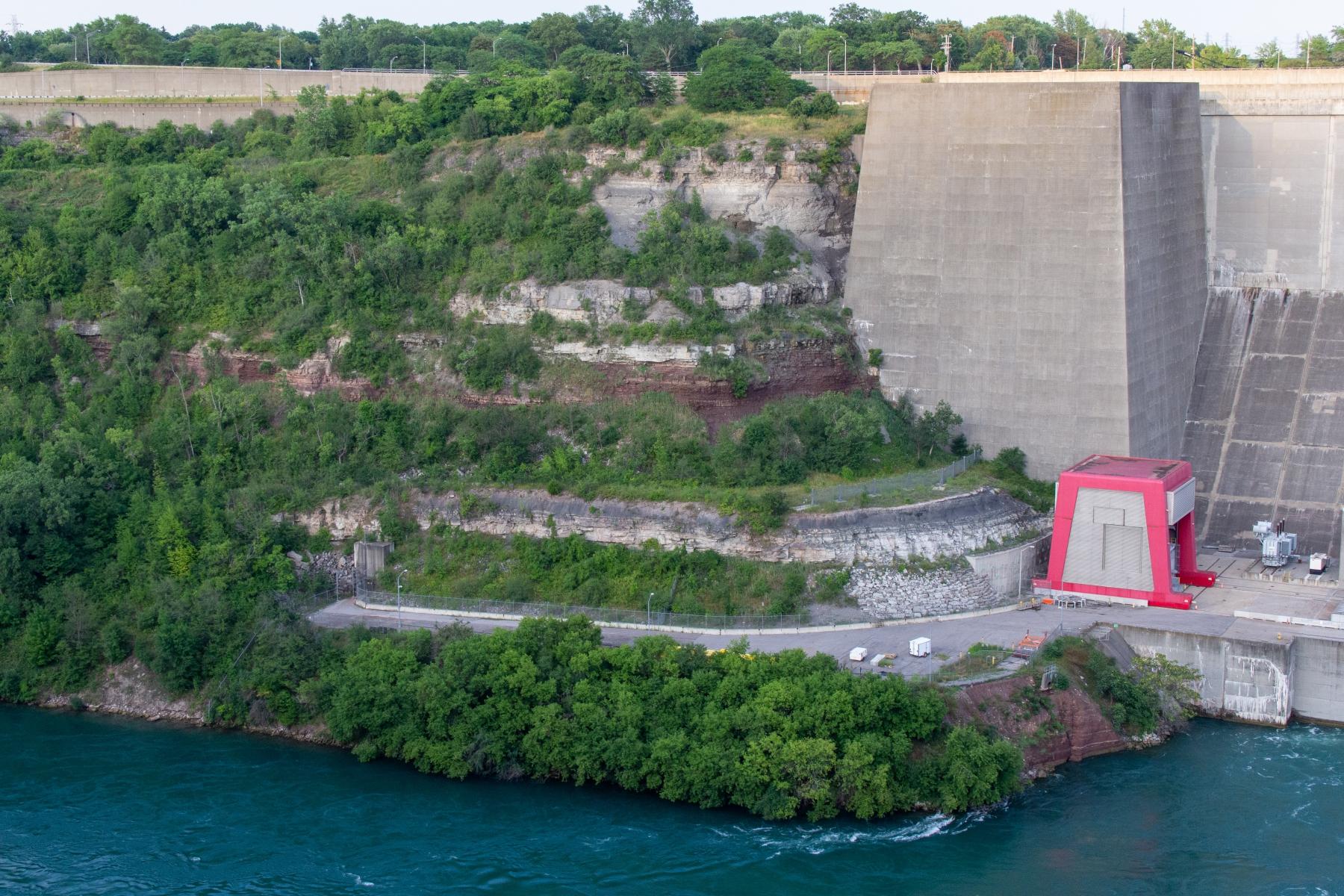 Niagara gorge walls